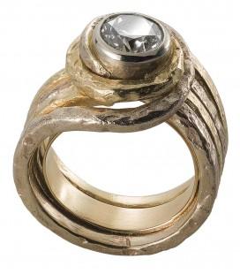 Anello brillante montatura spirale in oro due colori martellato